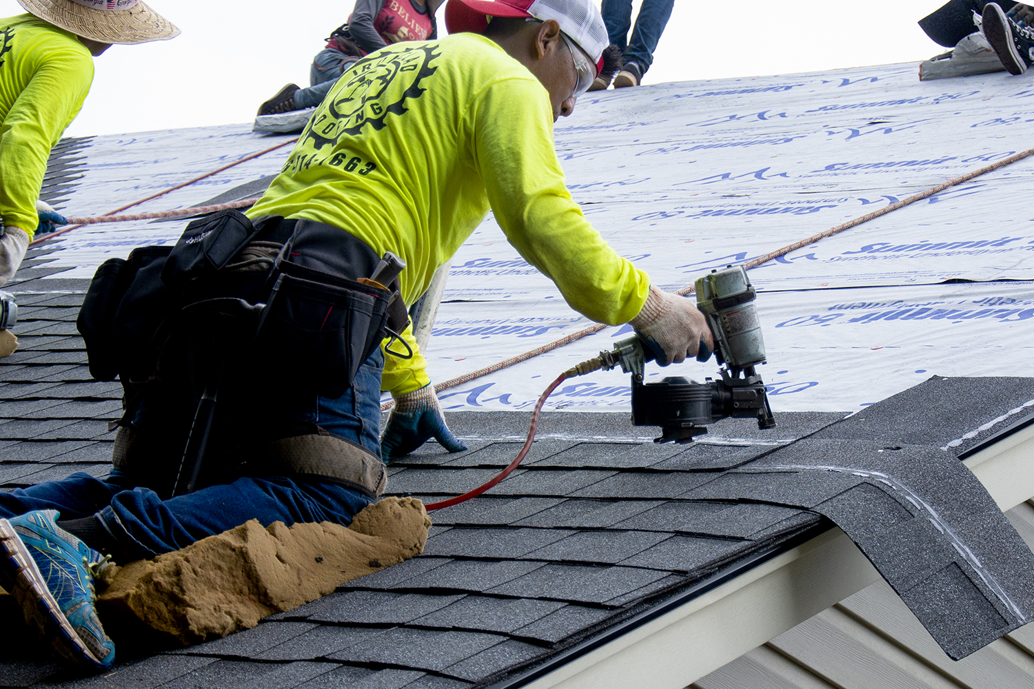 NV45AB2 Roofing Nailer Action