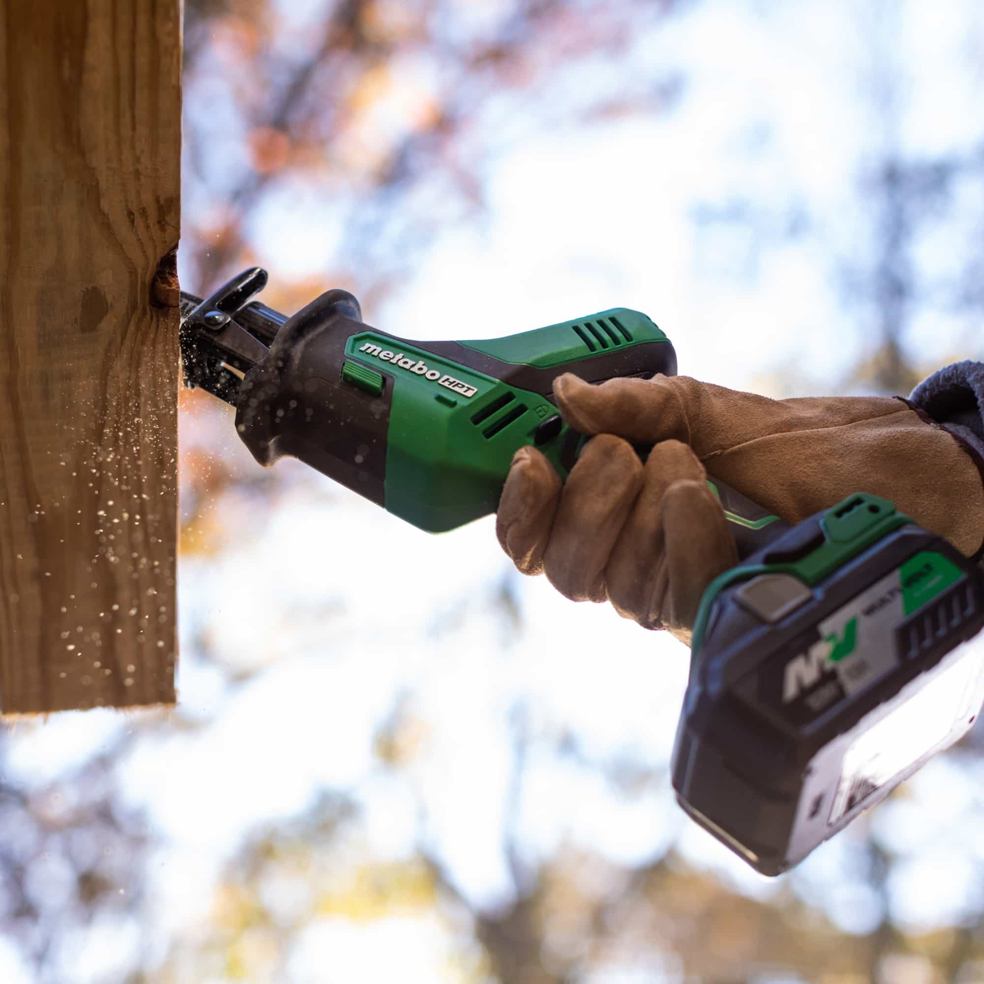 CR18DAQ4 - One handed reciprocating saw